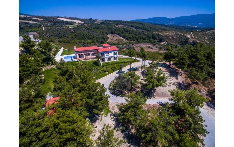 Nieuwe boerderij en land in Sogucak