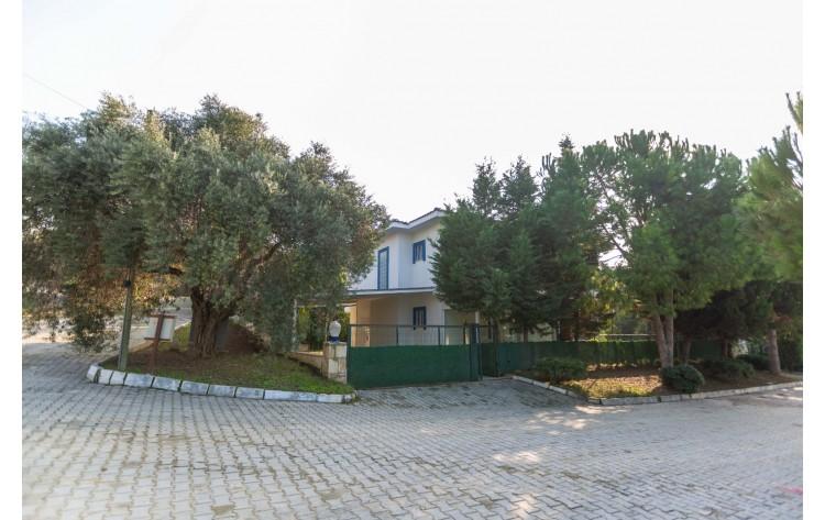 Kusadasi vrijstaande villa met een eigen tuin voor de privacy liefhebbers.