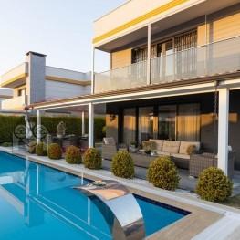 Luxe vrijstaande villa met privé zwembad